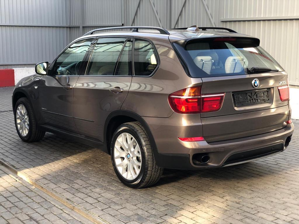 Фотография 2 BMW X5 E70 [рестайлинг] xDrive30d Steptronic (245 л.с.)  2011 WBAZW41060L826827 у044он799 Коричневый