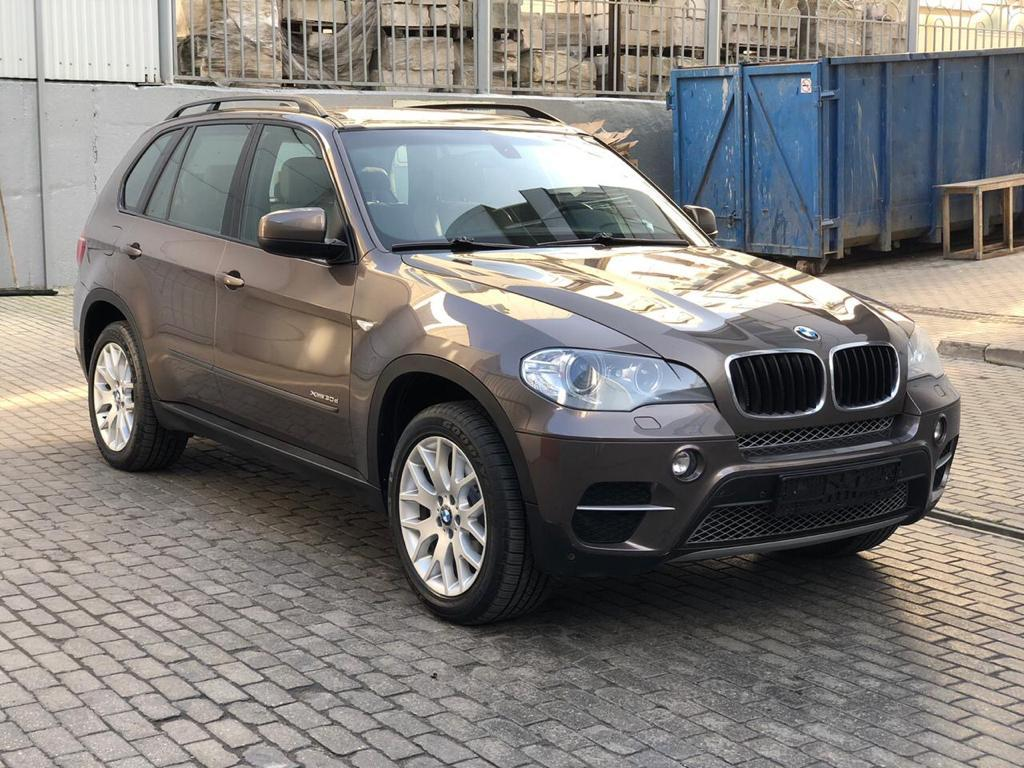 Фотография 1 BMW X5 E70 [рестайлинг] xDrive30d Steptronic (245 л.с.)  2011 WBAZW41060L826827 у044он799 Коричневый
