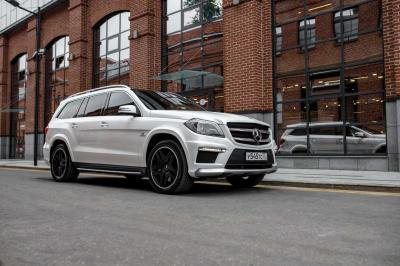 Автомобиль GL 63 AMG Speedshift Plus 7G-Tronic 4Matic (557 л.с.)
